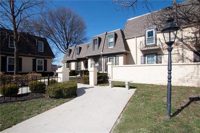 10738 Glenwood Street A, Overland Park, KS 66211 (#2155138) :: No Borders Real Estate