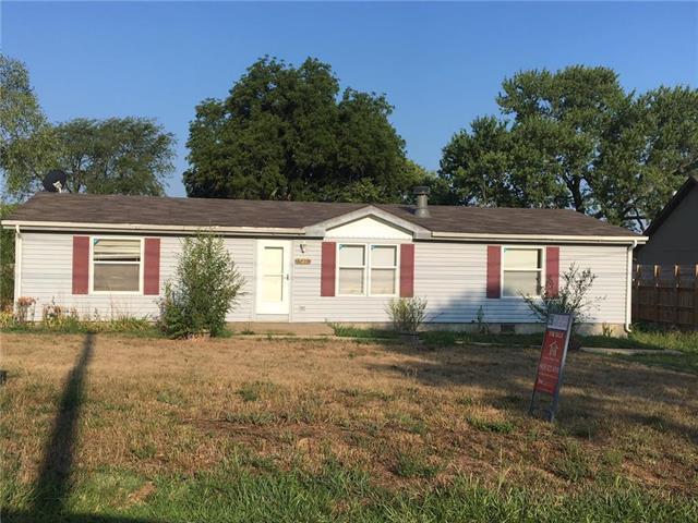 15374 Gardner East Road, Gardner, KS 66030 (#2155416) :: No Borders Real Estate