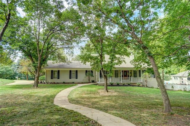 1137 Guinevere Drive, Liberty, MO 64068 (#2155776) :: Edie Waters Network