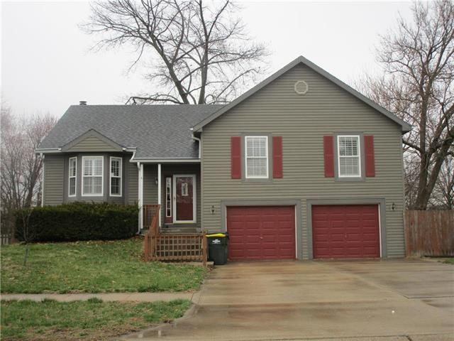 409 Carriage Crossing Road, Lansing, KS 66043 (#2155847) :: House of Couse Group