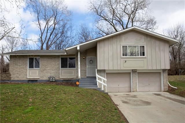 2123 N 56th Terrace, Kansas City, KS 66104 (#2155926) :: House of Couse Group