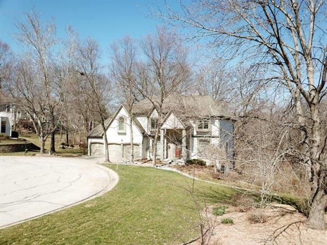 8138 NW Spruce Court, Parkville, MO 64152 (#2155972) :: No Borders Real Estate