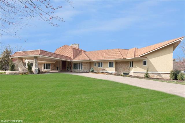 8700 Alhambra Street, Prairie Village, KS 66207 (#2156004) :: Edie Waters Network