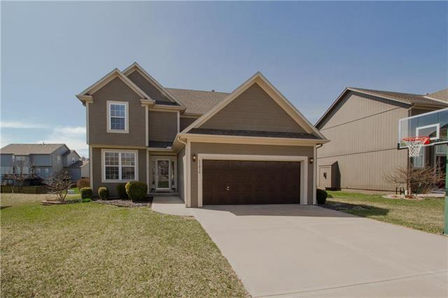 11616 S Monroe Street, Olathe, KS 66061 (#2156148) :: House of Couse Group