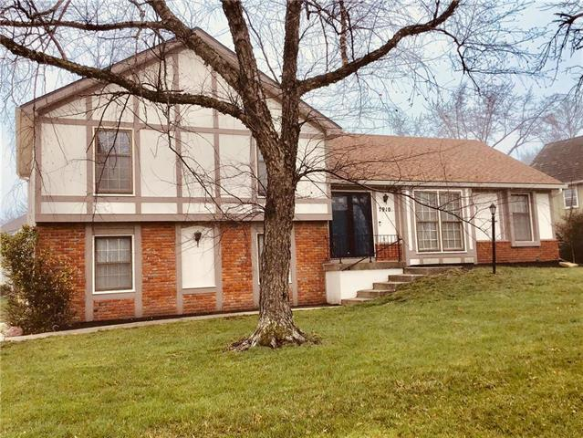 7910 N Anita Drive, Kansas City, MO 64151 (#2156312) :: No Borders Real Estate