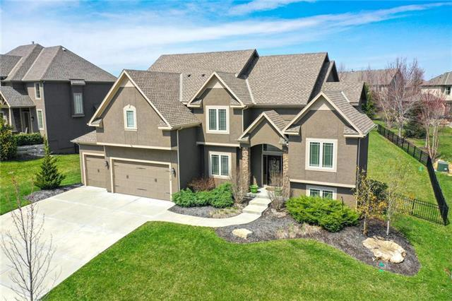 10712 W 169 Street, Overland Park, KS 66062 (#2156368) :: The Shannon Lyon Group - ReeceNichols