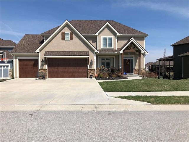 5813 Thousand Oaks Drive, Parkville, MO 64152 (#2156452) :: Eric Craig Real Estate Team