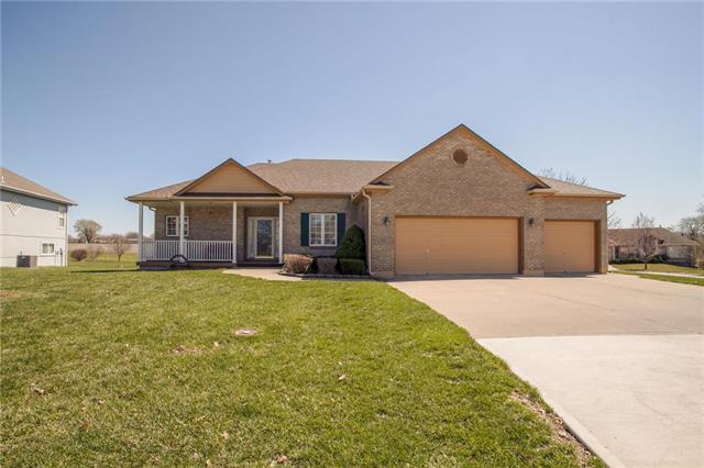 2928 SW 10th Street, Blue Springs, MO 64015 (#2156602) :: No Borders Real Estate
