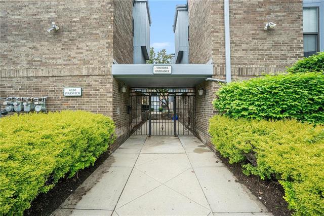 4058 Warwick #8 Street, Kansas City, MO 64111 (#2156630) :: Edie Waters Network