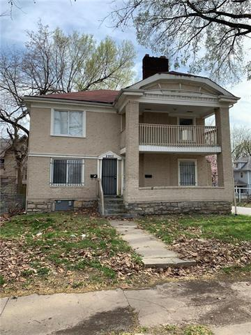 2901 E 33RD Street, Kansas City, MO 64128 (#2156656) :: Clemons Home Team/ReMax Innovations