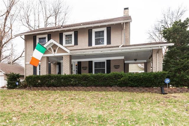 3 W Meyer Boulevard, Kansas City, MO 64113 (#2156727) :: House of Couse Group