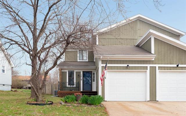 1418 E 123rd Terrace, Olathe, KS 66061 (#2156784) :: House of Couse Group