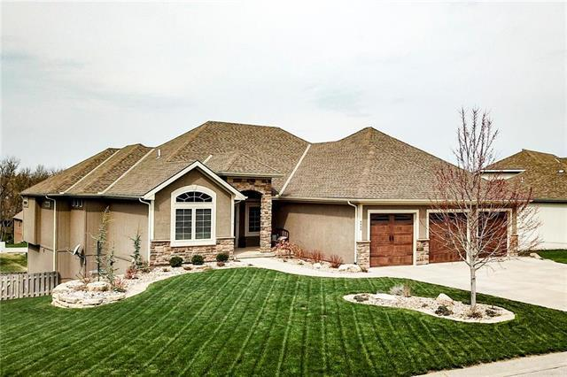 4448 NE Park Springs Court, Lee's Summit, MO 64064 (#2156827) :: House of Couse Group