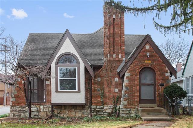 437 E 70th Terrace, Kansas City, MO 64131 (#2156860) :: Eric Craig Real Estate Team