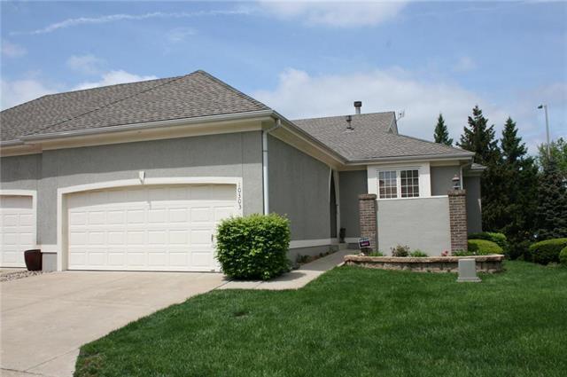 10303 Garnett Street, Overland Park, KS 66214 (#2156922) :: No Borders Real Estate