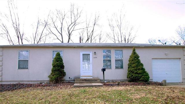 1204 N Vista Drive, Independence, MO 64056 (#2157011) :: Edie Waters Network
