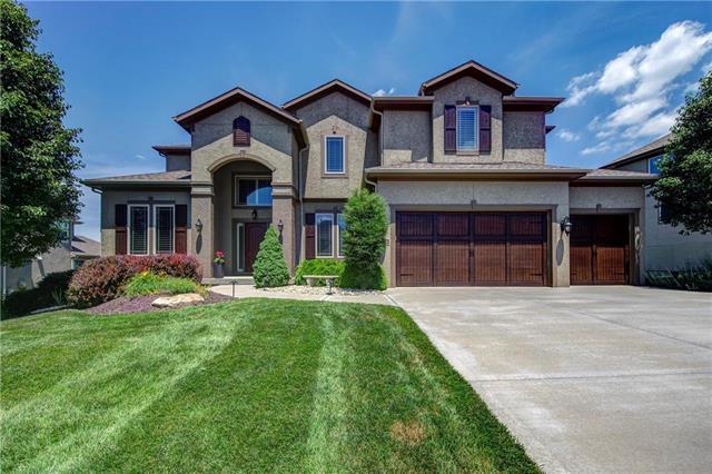 16813 Goddard Street, Overland Park, KS 66221 (#2157041) :: House of Couse Group