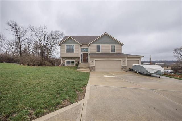 3515 NE 85th Street, Kansas City, MO 64156 (#2157054) :: House of Couse Group