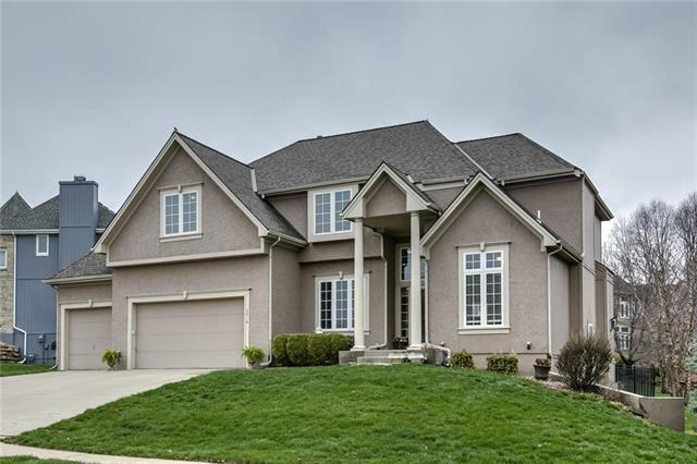 6814 NW Monticello Court, Parkville, MO 64152 (#2157115) :: House of Couse Group