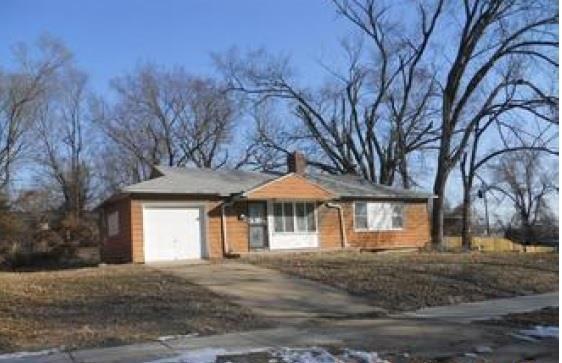 5114 E 41st Terrace, Kansas City, MO 64130 (#2157152) :: House of Couse Group