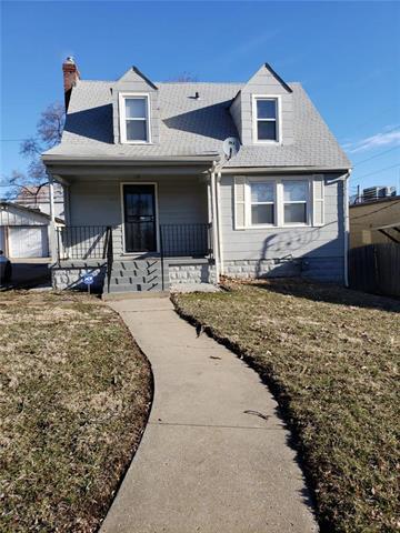 936 E Gregory Boulevard, Kansas City, MO 64131 (#2157207) :: House of Couse Group