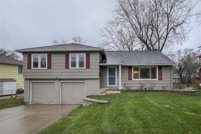 7817 Lamar Avenue, Prairie Village, KS 66208 (#2157257) :: House of Couse Group