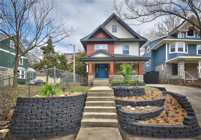 2735 Harrison Street, Kansas City, MO 64109 (#2157309) :: House of Couse Group