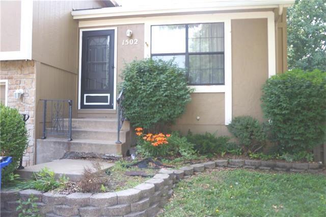 1502 E 123rd Terrace, Olathe, KS 66061 (#2157358) :: House of Couse Group