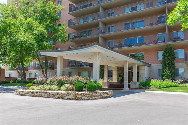 4550 Warwick Boulevard #205, Kansas City, MO 64111 (#2157451) :: House of Couse Group