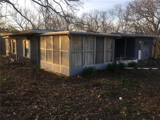 9200 Askew Avenue, Kansas City, MO 64132 (#2157463) :: House of Couse Group