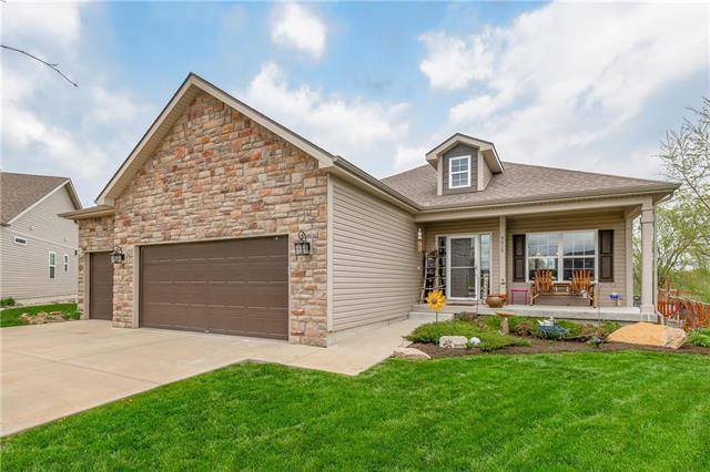 9018 Quill Street, Lenexa, KS 66227 (#2157494) :: Team Real Estate