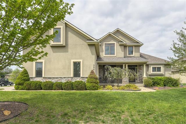 3904 SW Benziger Drive, Lee's Summit, MO 64082 (#2157625) :: NestWork Homes