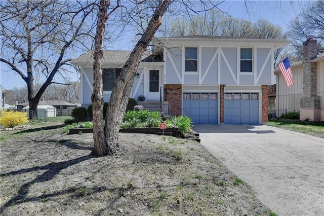 616 N Pine Street, Olathe, KS 66061 (#2157653) :: House of Couse Group