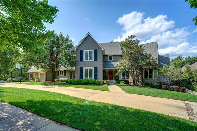 4400 W 126th Terrace, Leawood, KS 66209 (#2157680) :: House of Couse Group