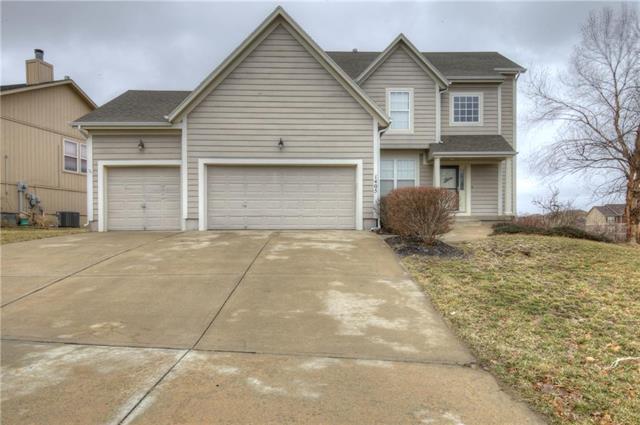 1405 N 130th Terrace, Kansas City, KS 66109 (#2157708) :: House of Couse Group