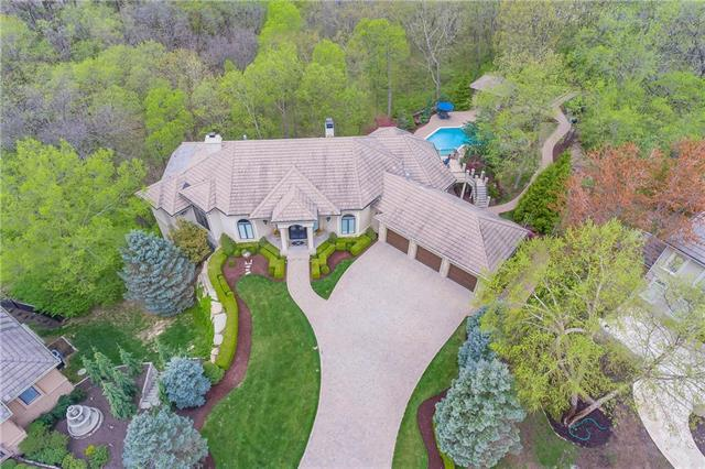 8016 NW Timbercrest Place, Parkville, MO 64152 (#2157725) :: Eric Craig Real Estate Team