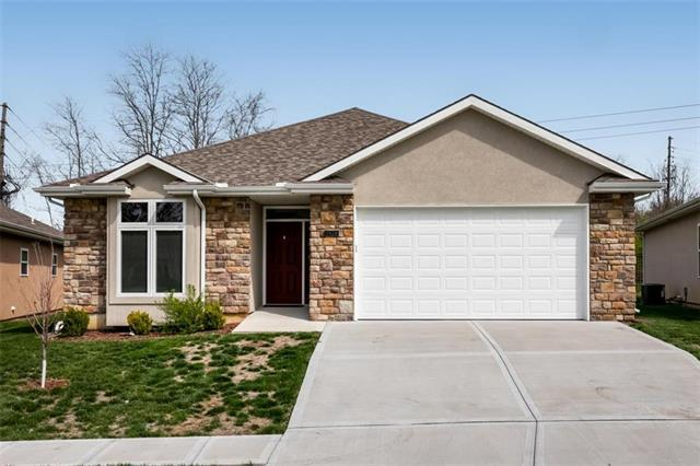 1928 Carter Court, Liberty, MO 64068 (#2157741) :: House of Couse Group