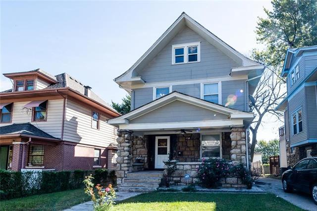111 Lawn Avenue, Kansas City, MO 64123 (#2157749) :: House of Couse Group