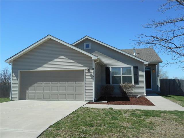21751 Summer Street, Spring Hill, KS 66083 (#2157762) :: No Borders Real Estate