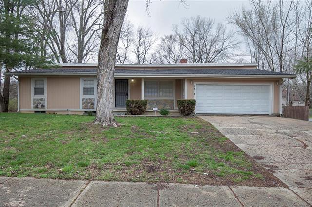 8638 E 108th Terrace, Kansas City, MO 64134 (#2157764) :: House of Couse Group