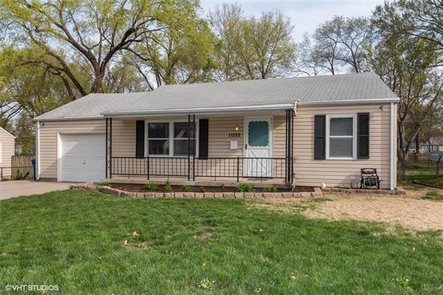 11522 W 70th Street, Shawnee, KS 66203 (#2157809) :: The Shannon Lyon Group - ReeceNichols