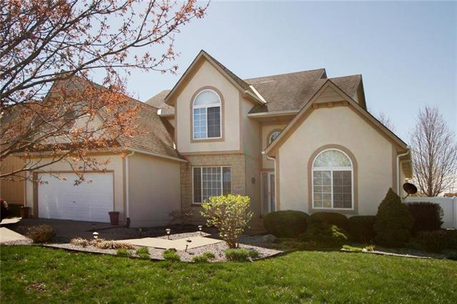 20885 Poplar Court, Spring Hill, KS 66083 (#2157875) :: The Gunselman Team