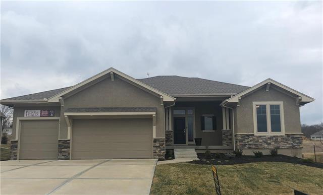 21111 W 68th Street, Shawnee, KS 66218 (#2157904) :: House of Couse Group