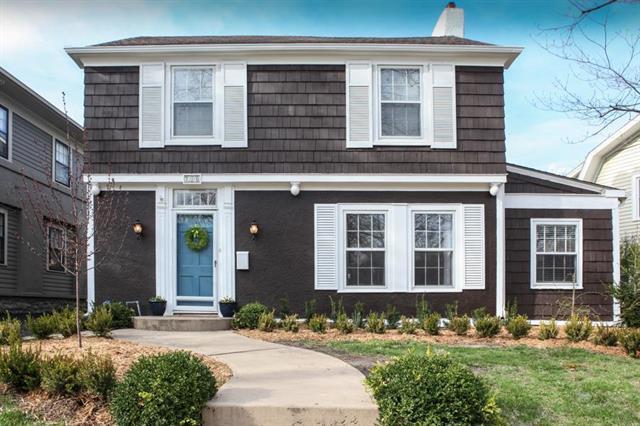 200 W 68th Terrace, Kansas City, MO 64113 (#2157917) :: Eric Craig Real Estate Team