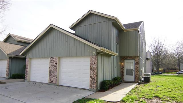117 NE Greystone Drive, Lee's Summit, MO 64086 (#2157970) :: House of Couse Group