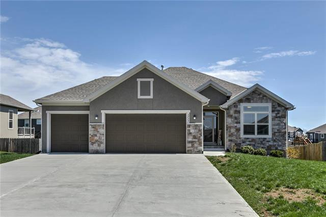 3725 N 153rd Terrace, Basehor, KS 66007 (#2158024) :: House of Couse Group