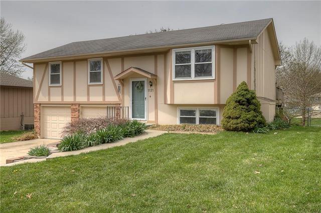1121 NE 10th Street, Blue Springs, MO 64014 (#2158041) :: Eric Craig Real Estate Team
