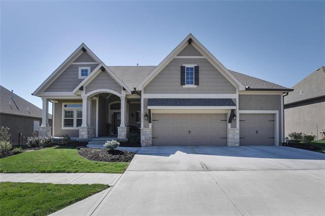 10515 W 132nd Court, Overland Park, KS 66213 (#2158077) :: Edie Waters Network