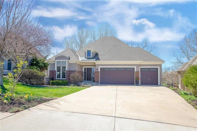 6114 Double Eagle Court, Parkville, MO 64152 (#2158162) :: House of Couse Group