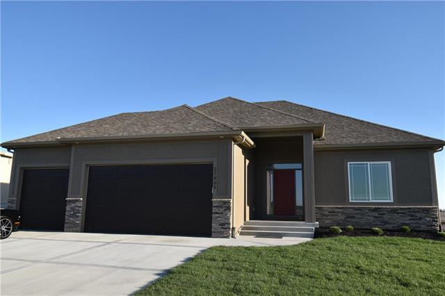 27826 E 133rd Street, Lee's Summit, MO 64086 (#2158176) :: House of Couse Group